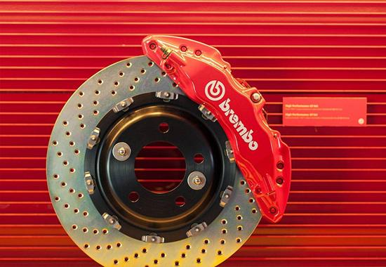 برمبو سیستم ترمز بدون صدا برای خودروهای برقی میسازد